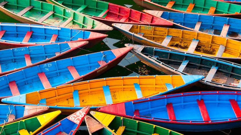 hình nền win 10 full hd - chiếc thuyền màu sắc